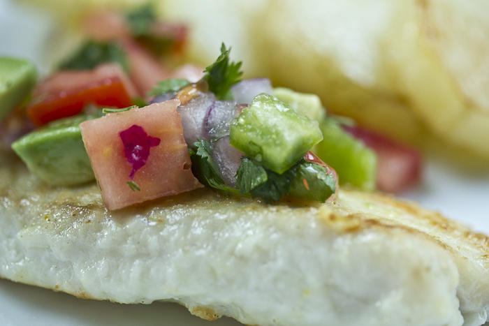 pan seared tilapia with pico de gallo